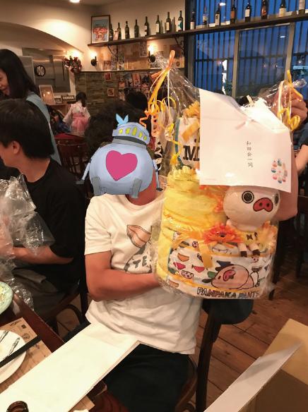 オーダーメイドおむつケーキ「パンパカパンツ」